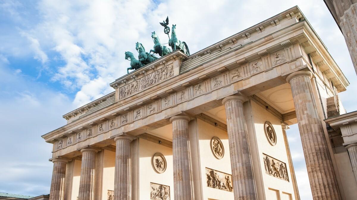 Berlin, Brandenburška vrata, simbol grada, putovanje autobusom, putovanje zrakoplovom, Mondo travel