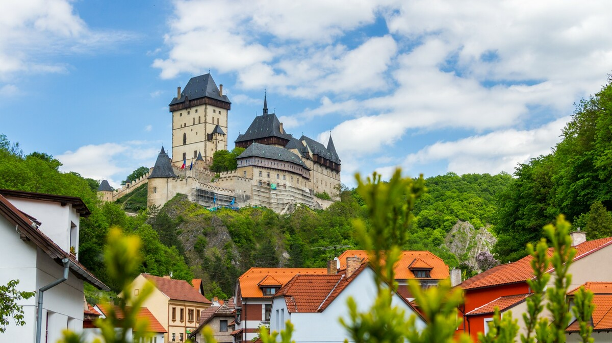 kraljevski dvorac Karlstejn, putovanje češka, garantirani polasci