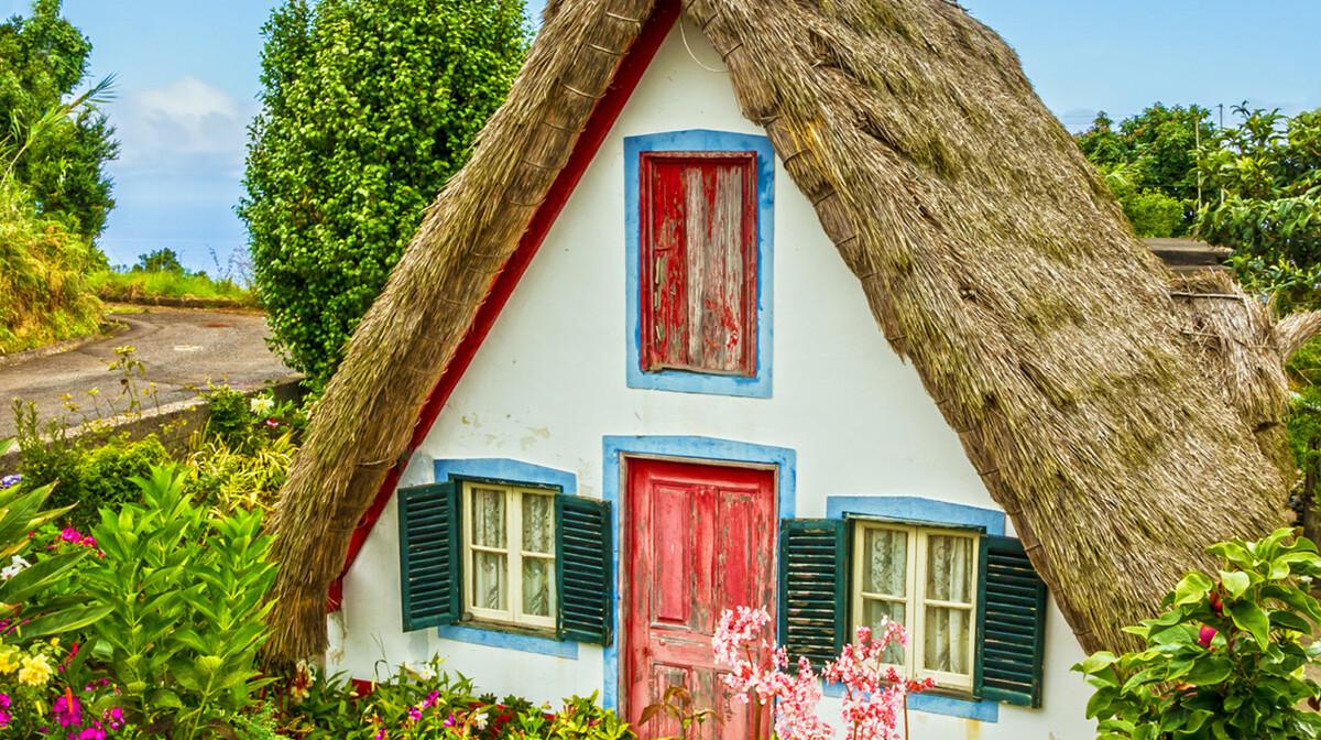 Tradicionalne šarene kuće na Madeiri, putovanje na Madeiru i portugal