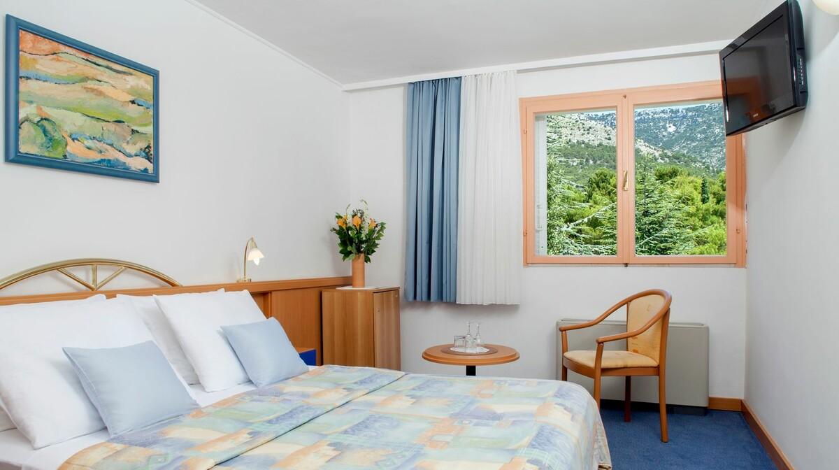 Otok Brač, Bol, Bluesun hotel Borak, dvokrevetna soba