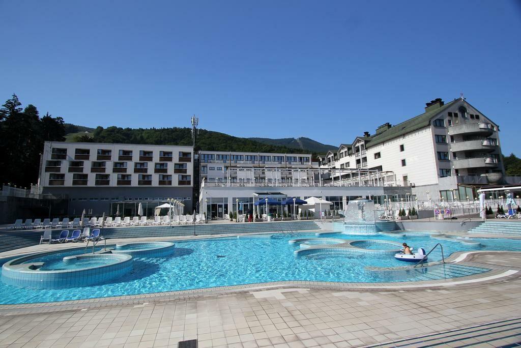 Skijanje i wellness u Sloveniji, Mariborsko Pohorje, Hotel Habakuk, vanjski bazen