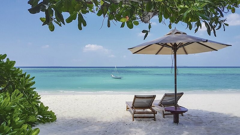 Maldivi, The Barefoot Eco Hotel