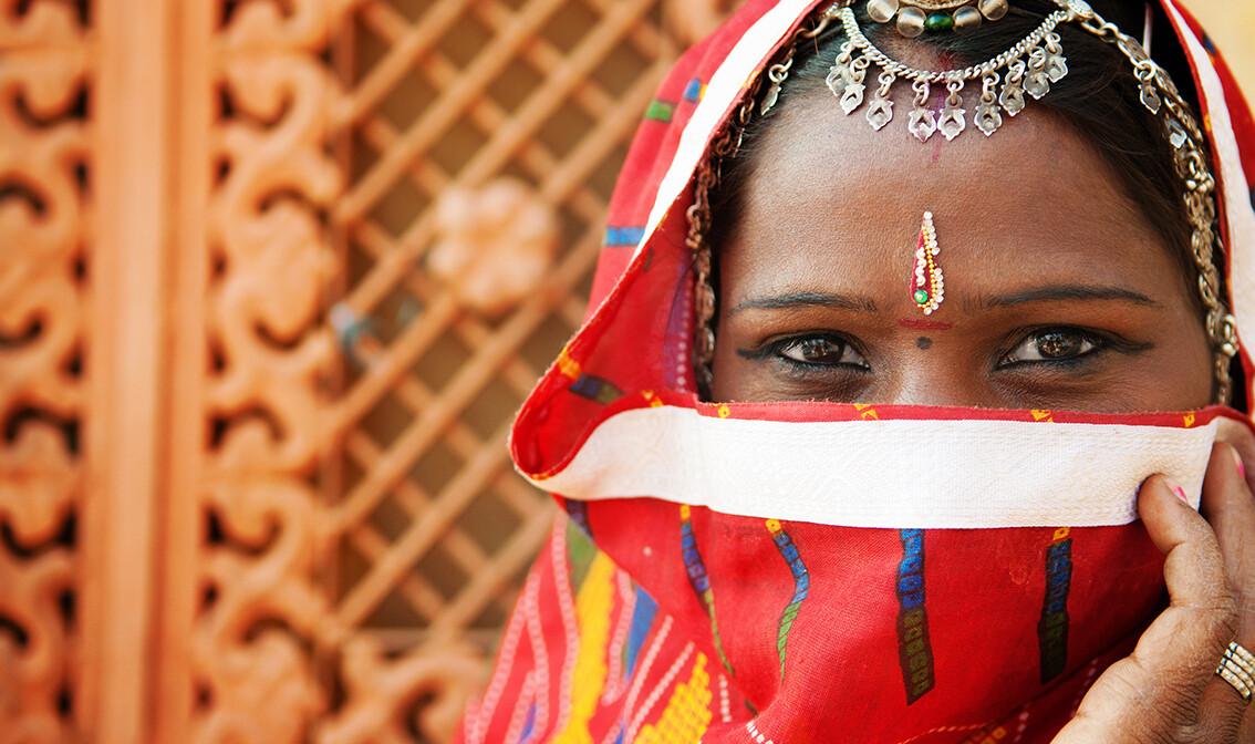 tradicionalna žena, putovanja zrakoplovom, Mondo travel, daleka putovanja, garantirani polazak