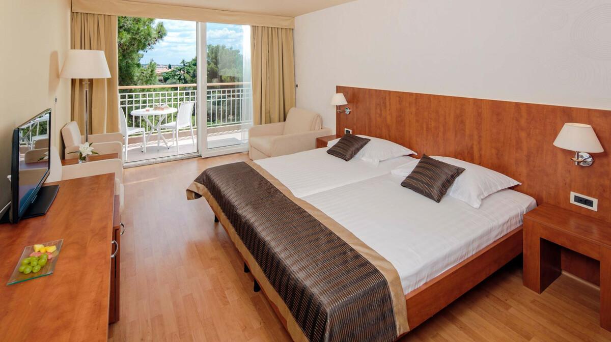 Hotel Sol Umag, classic soba, balkon, park strana