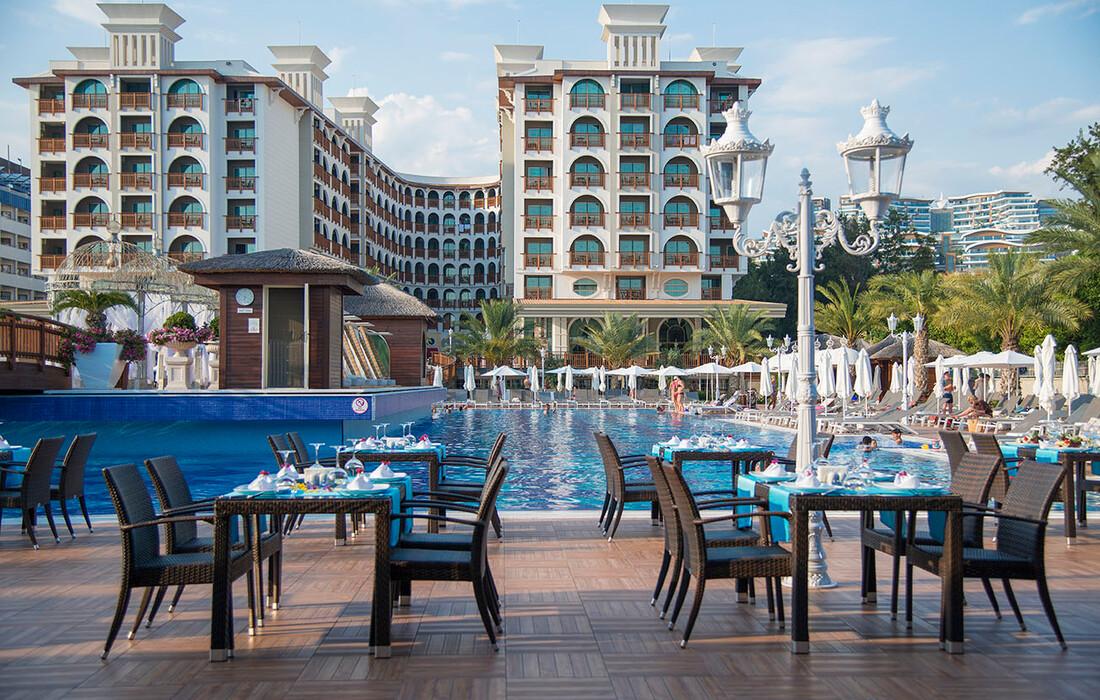 Hotel Quattro Beach Spa & Resort