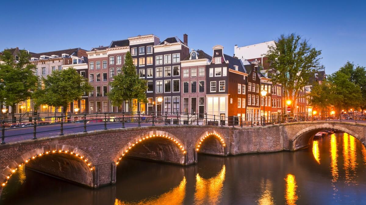 Kanali po noći, putovanje u Amsterdam, garantirani polasci za Amsterdam mondo