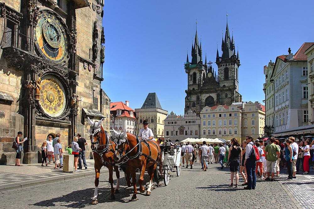 Starogradski trg u Pragu, europska putovanja autobusom, garantirani polasci