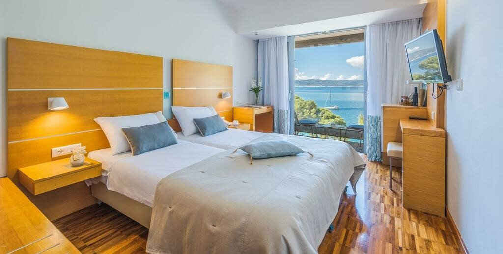 Dvokrevetna soba za dvoje s pogledom na more, mondo travel