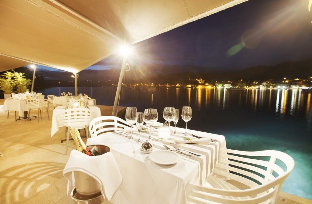 Cavtat, Hotel Croatia, večera uz more