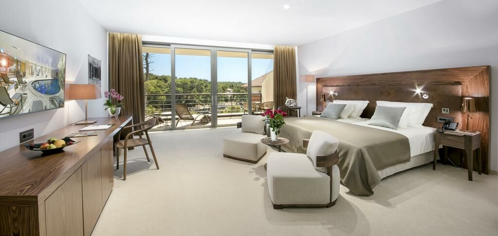Luksuzna dvokrevetna soba u Boutique hotel Alhambra.