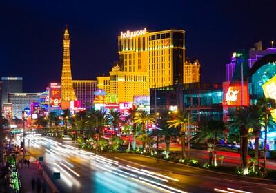 Amerika, Nevada, Las Vegas, osvjetljeni Las Vegas, grupni polasci u Ameriku