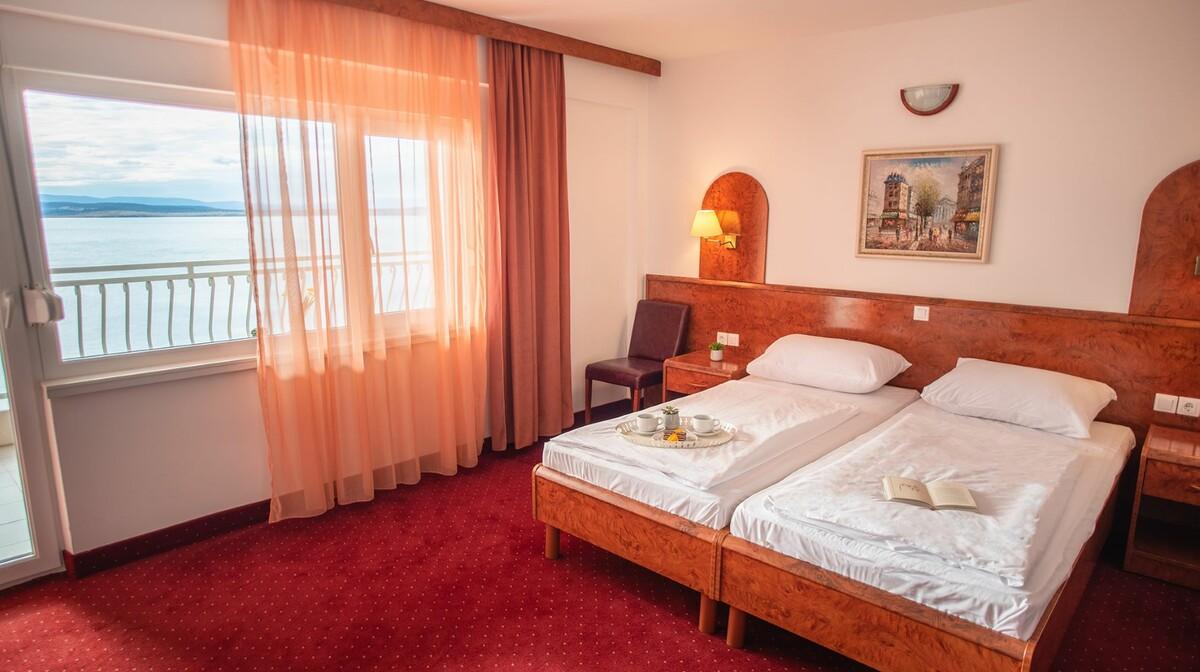 Crikvenica, Hotel Mediteran, morska strana, balkon, novi dio