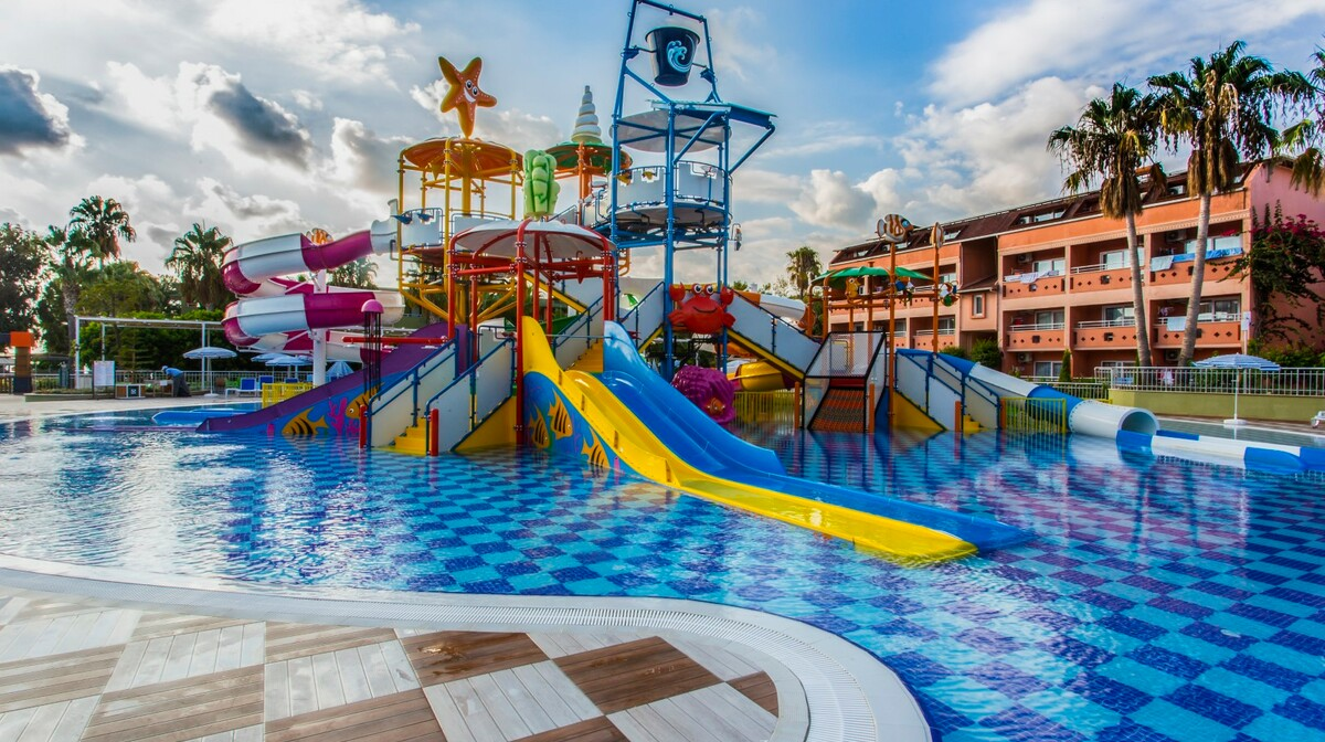 Ljeto Antalya, Alanya, Lonicera World, tobogan i bazen