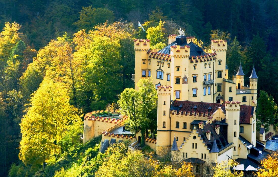 dvorac Hohenschwangau , autobusna putovanja, Mondo travel, europska putovanja