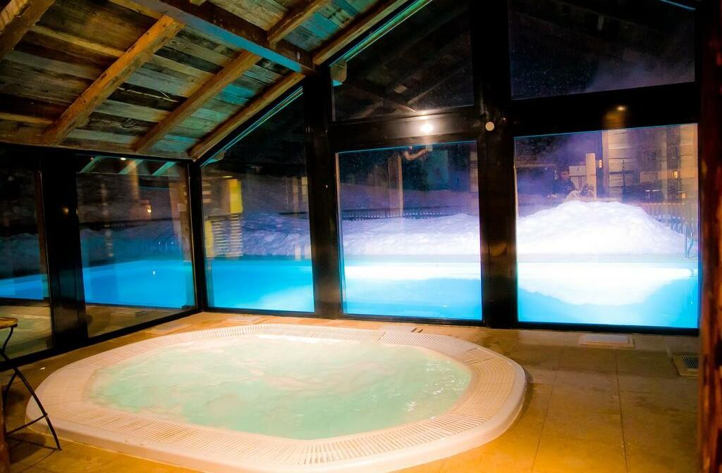 Skijanje u Francuskoj, Val Cenis, Lanslebourg Residence Les Alpages, bazen i whirpool.