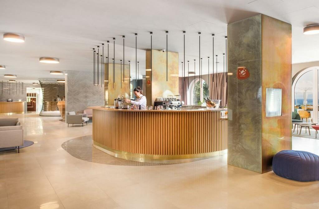 Novi Vinodolski, Hotel Lišanj