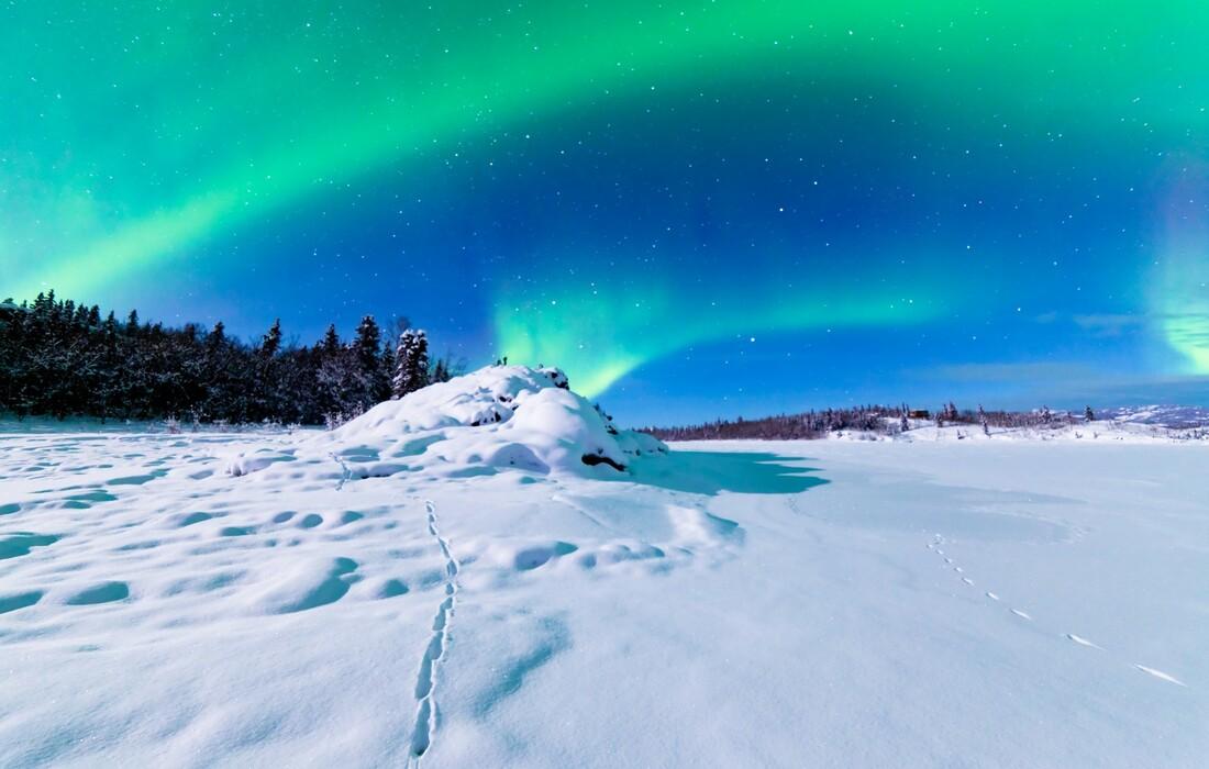 Aurora borealis na nebu Aljaske