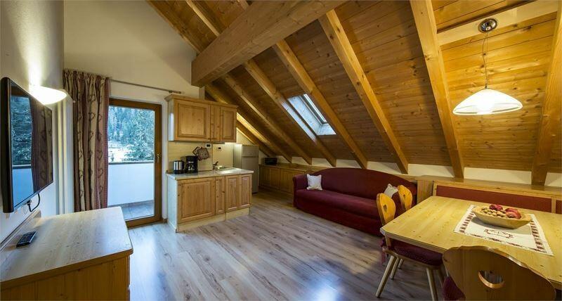 Skijanje u Italiji, Alta Badia, Colfosco, Residence Elisa, potkrovlje