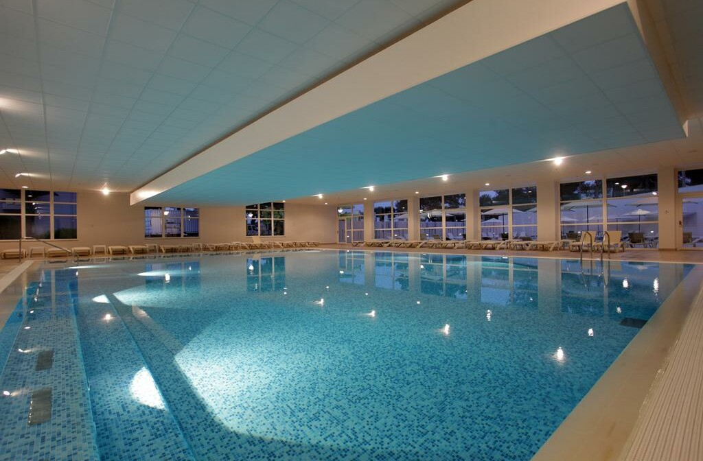 Unutarnji bazen hotela Vitality Punta.