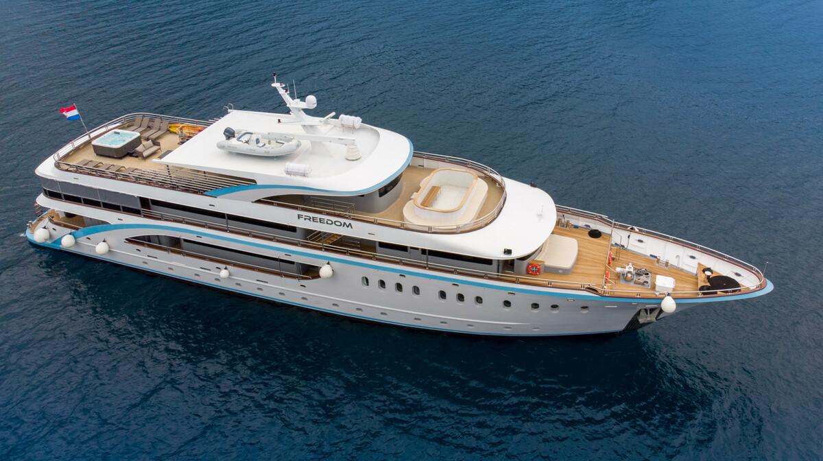 Krstarenje Jadranom, luksuzni brod Freedom