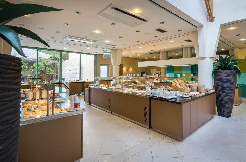 Otok Brač, Bol, Bretanide Sport & Wellness Resort, buffet