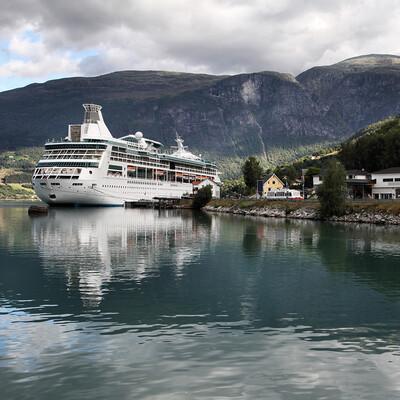 Kruzer na krstarenju Norveškim fjordovima, krstarenja