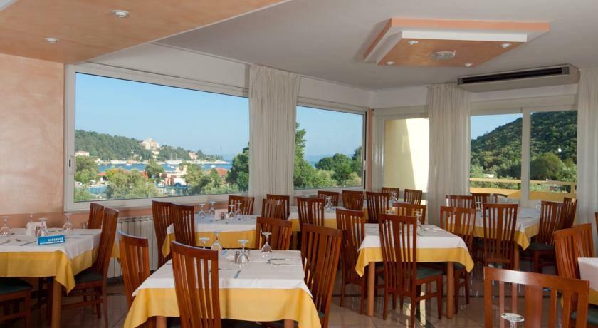 Restoran hotela Narcis u Rapcu, mondo travel