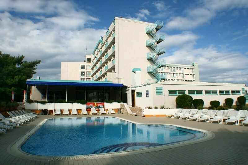 Pula, Hotel Pula, bazen