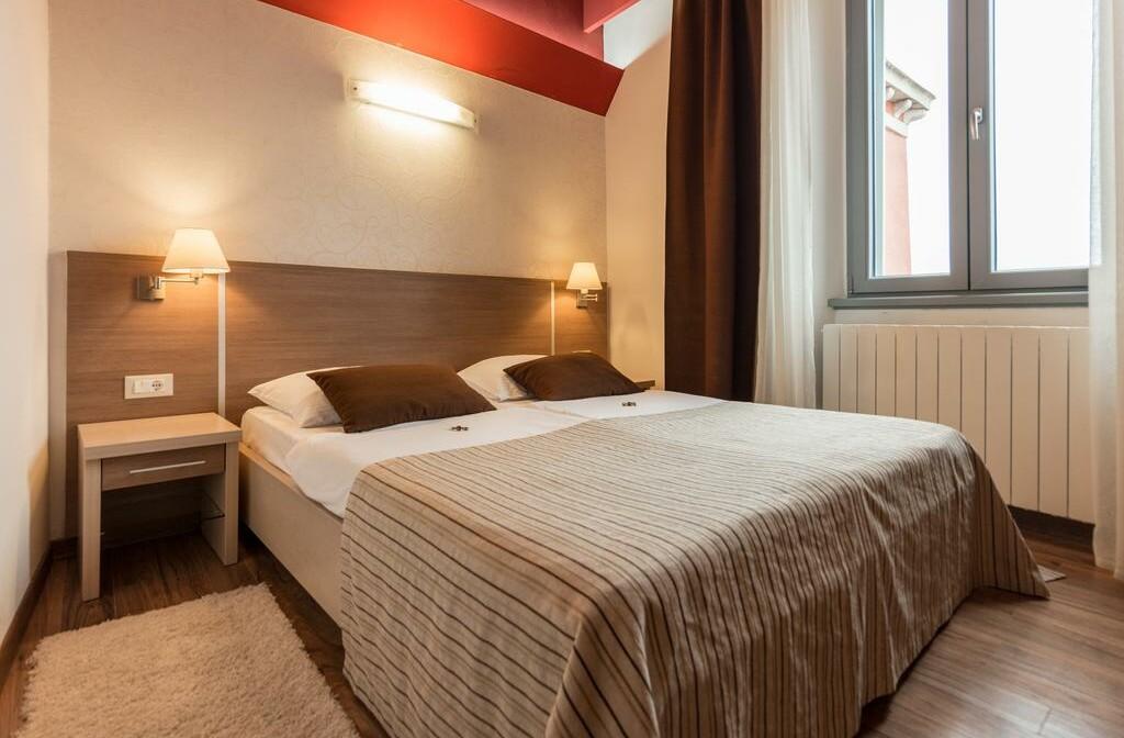 Wellness u Hrvatskoj, Motovun, Hotel Kaštel, spavaća soba.