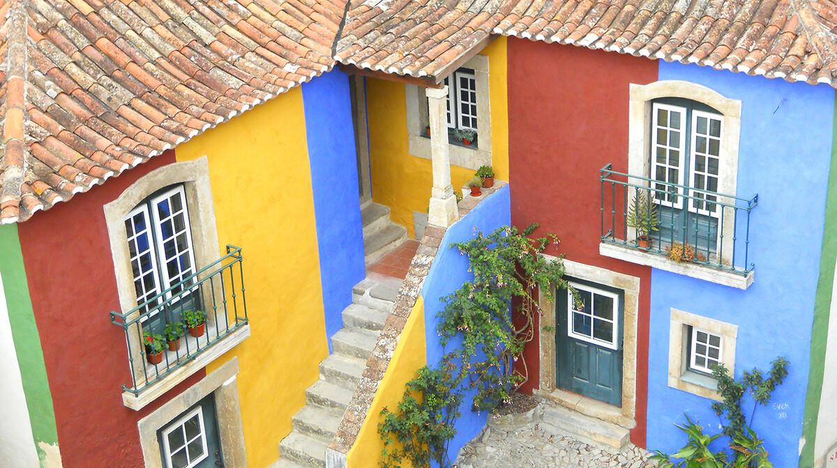 Šarene kuće u Obidosu, putovanje u Portugal