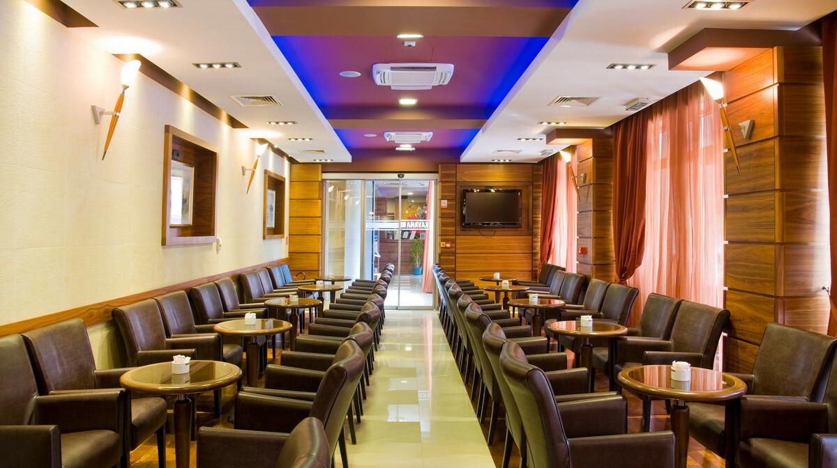 Omiš, Hotel Plaža, caffe bar