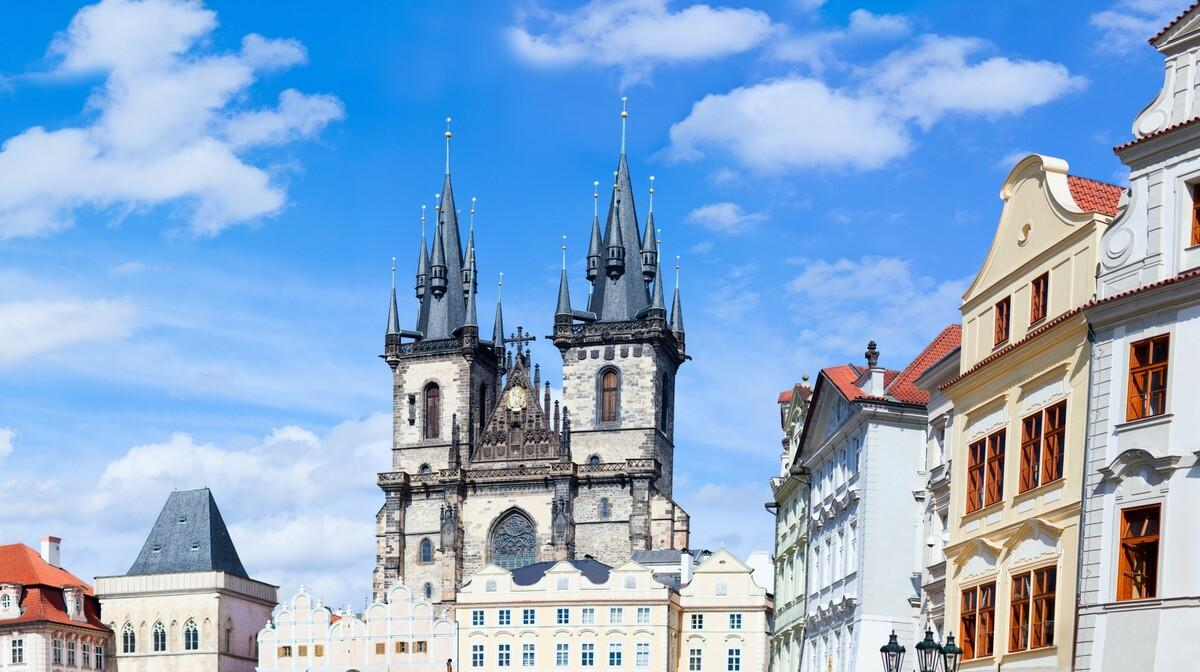 Prag, stari grad, putovanje zrakoplovom, putovanje autobusom