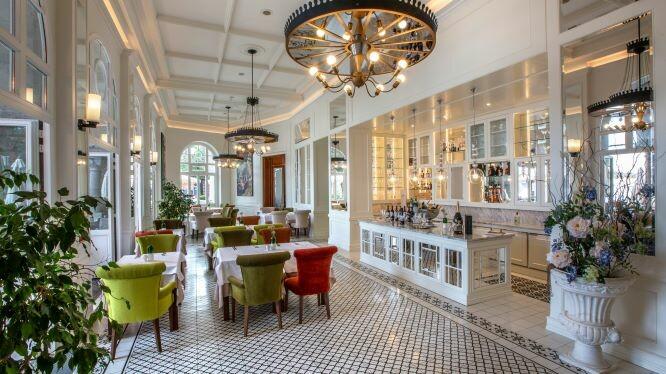 Hrvatska, ljeto, Opatija, hotel Milenij,  restoran Argonauti bar