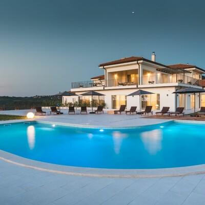 Istra, Brtonigla, Wine residence Cattunar, vanjski bazen